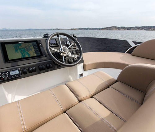 Drivers view on the flybridge